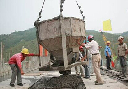 Grinding aid and grinding process